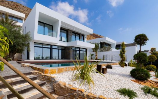 New Villa With Sea Views in Benidorm