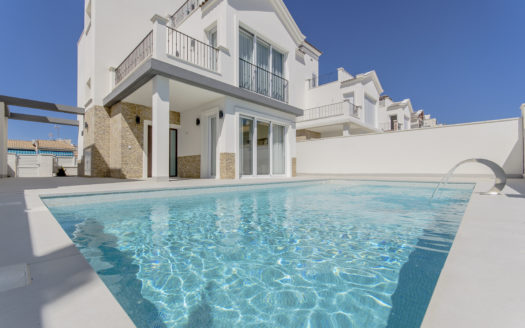 Villas in Mediterranean Style With Private Pool in Torrevieja