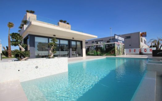Villa With Pool in Punta Prima