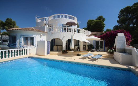Detached Villa With Pool in Benissa