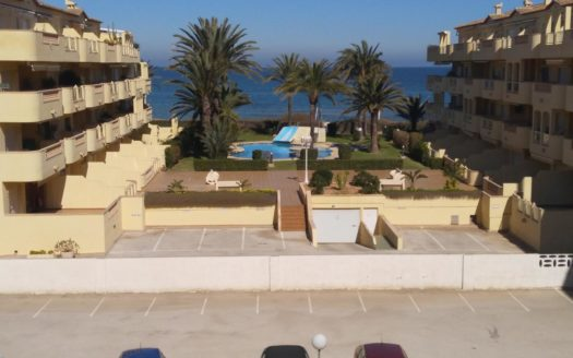 Apartment With Private Access to the Beach in Denia