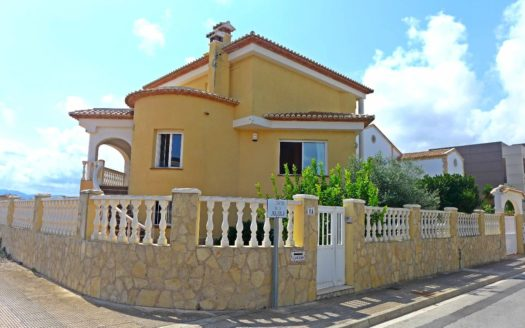 Villa 500 Meters from the Sea in Oliva