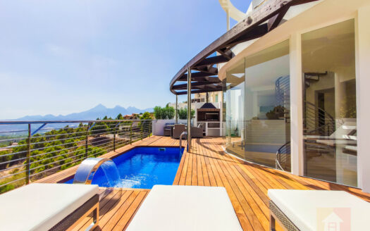 Villas with Sea Views in Altea