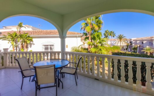 Apartment With Partial Sea Views in Benissa