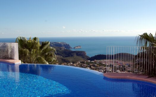 Apartment with sea views in the Cumbre del Sol residential area