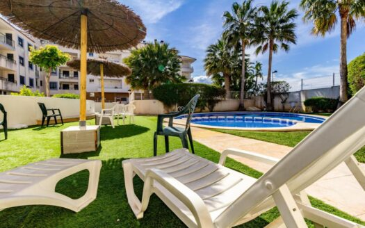Apartment With Swimming Pool in the Center of Moraira