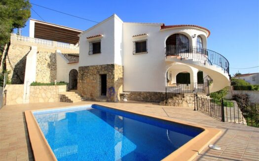 Villa in Benissa for sale with sea views