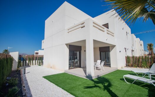 Modern apartments with private solarium and golf views in Algorfa