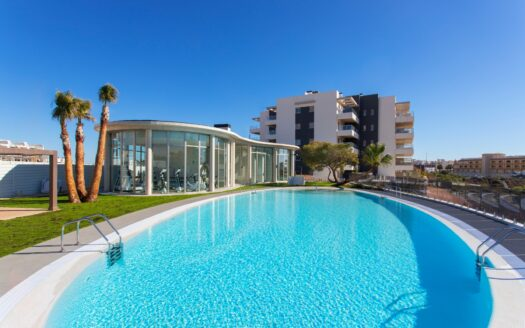 Penthouse with 3 bedrooms and private solarium in La Zenia