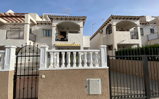 Lovely 2 bedroom, 2 bathrooms, top floor bungalow in the very sought after Punta Prima