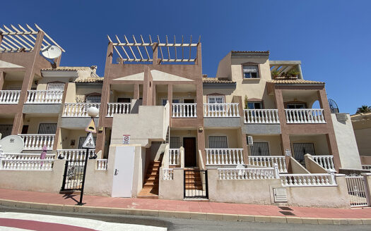 Beautifully decorated newly renovated 1st Floor Apartment in Villamartin