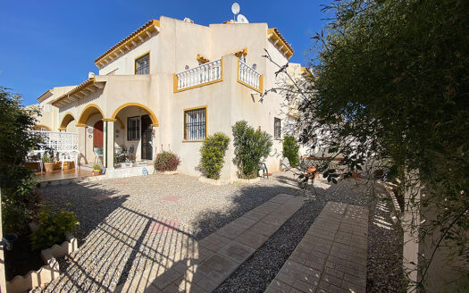Lovely south facing townhouse in Playa Flamenca