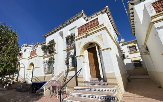 One bedroom top floor bungalow in San Miguel de Salinas