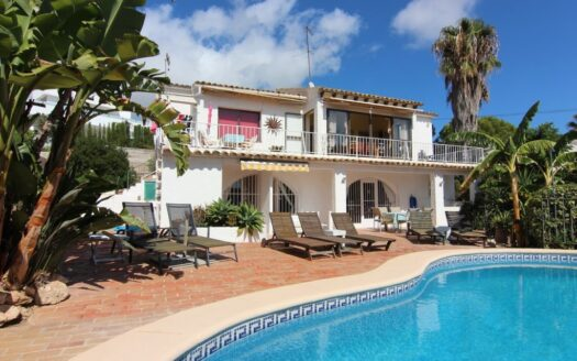 Villa 500 meters from the beach and the center of Moraira