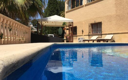 Villa in quiet area in Moraira