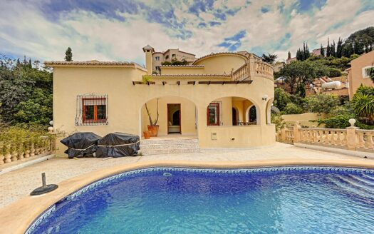Beautiful villa with private pool and sea views in Benitachell